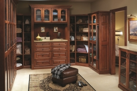 Traditional Master Walk-In Closet