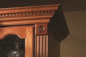 Traditional Master Walk-In Closet Moulding