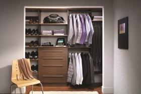Men's Reach-In Closet