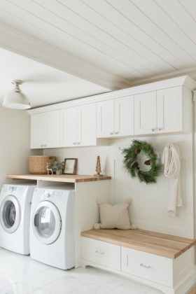 Entry-Way-Laundry-Room-with-Sitting-Area