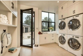 Large-Entry-Laundry-Room