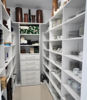 Modern-Custom-Pantry