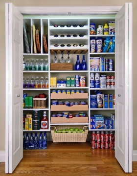Reach-in-Pantry