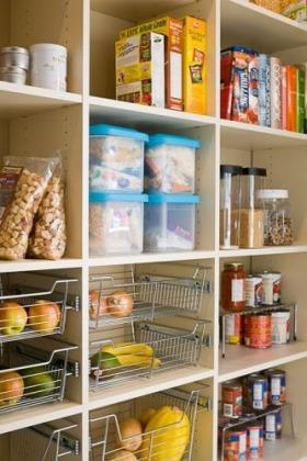Simple-Pantry-Storage