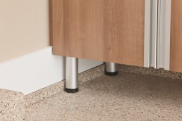 Adjustable Garage Legs