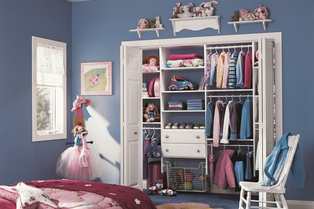 Kid's Reach-In Closet