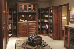 Master Walk-In Closet Tradiaional