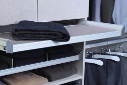 Pull-Out Folding Station
