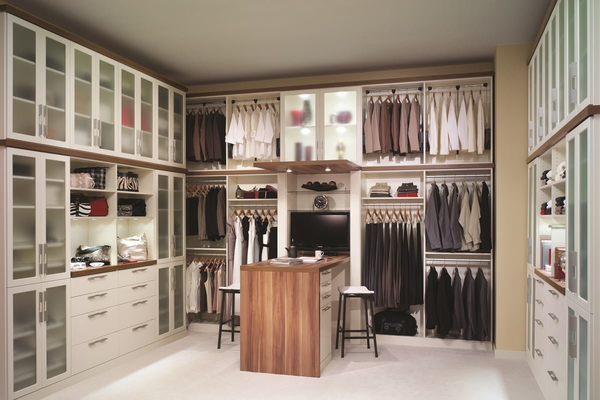High Quality White And Wood Walk In Closet